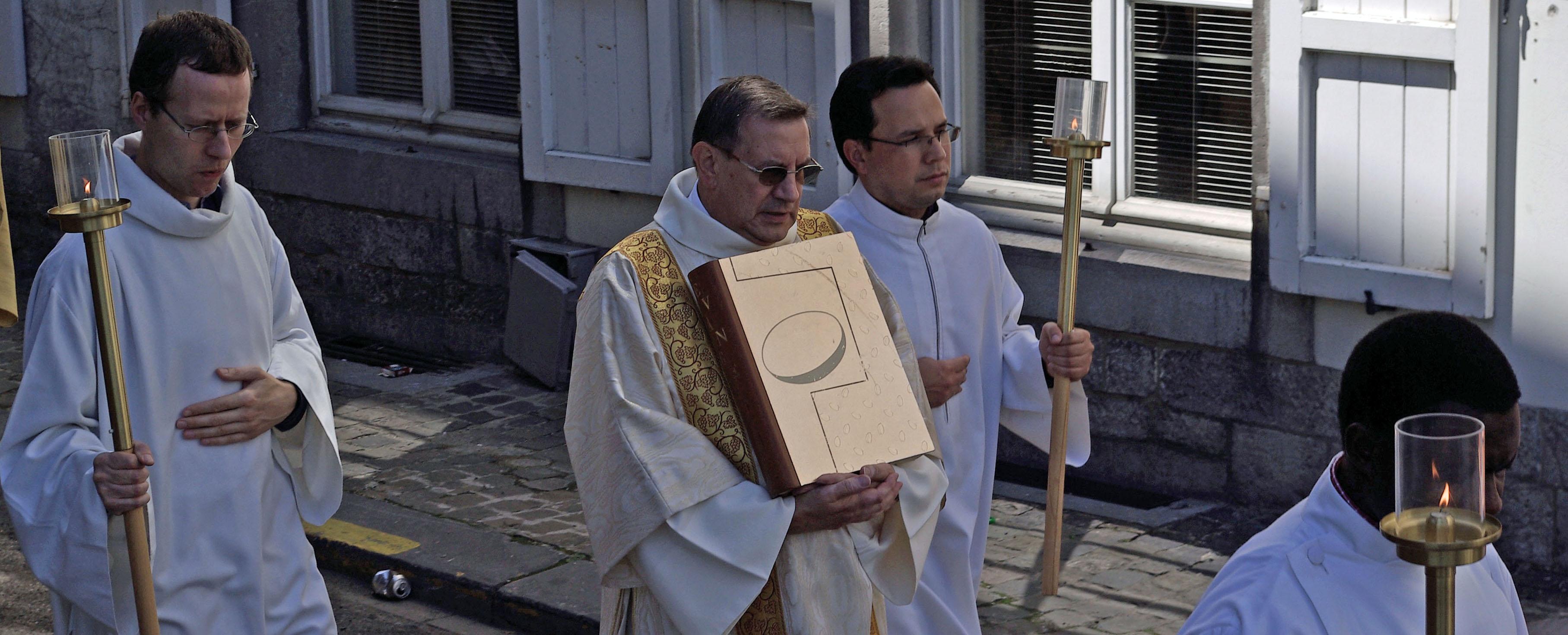2000-Eglise annonce.jpg