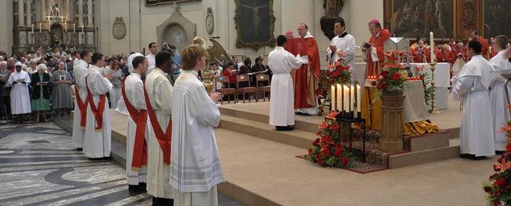 3200-Célébrations épiscopales2-N.jpg